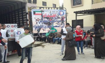 Kuwait distributes food baskets among displaced Iraqis
