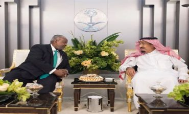 King Salman holds talks with Djibouti president after peace agreement